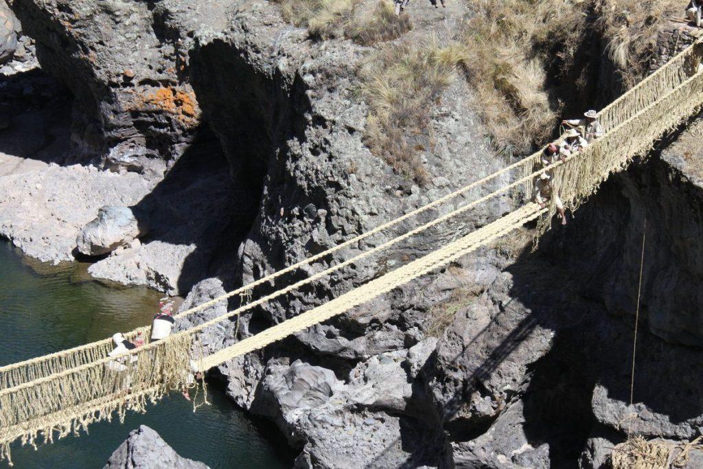 Beroemd en handgemaakt; de Q'eswachaka brug in Peru