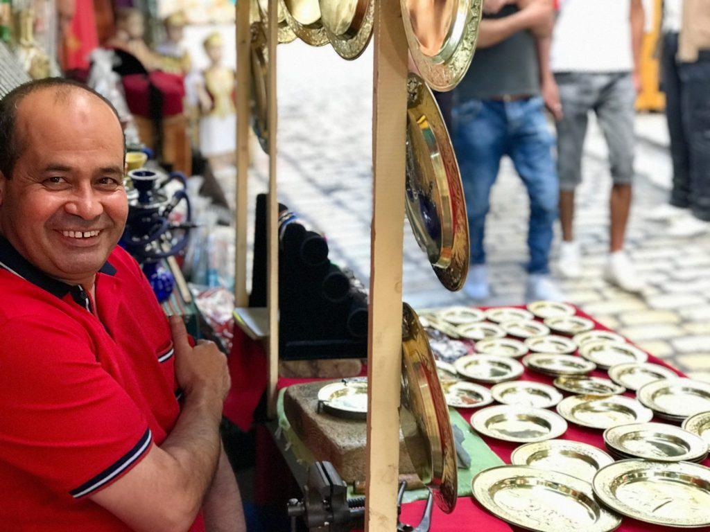 Man op de markt van Sousse