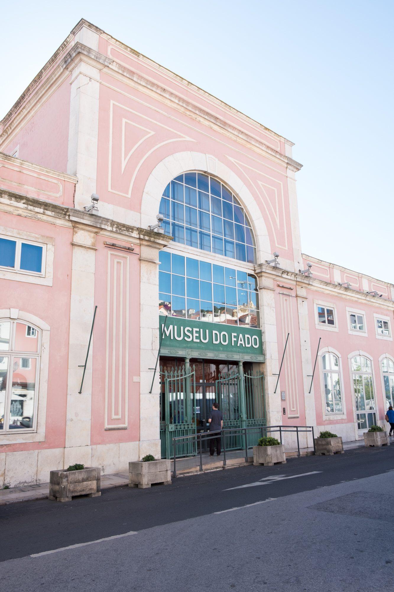 Museo do Fado - roze museum Lissabon