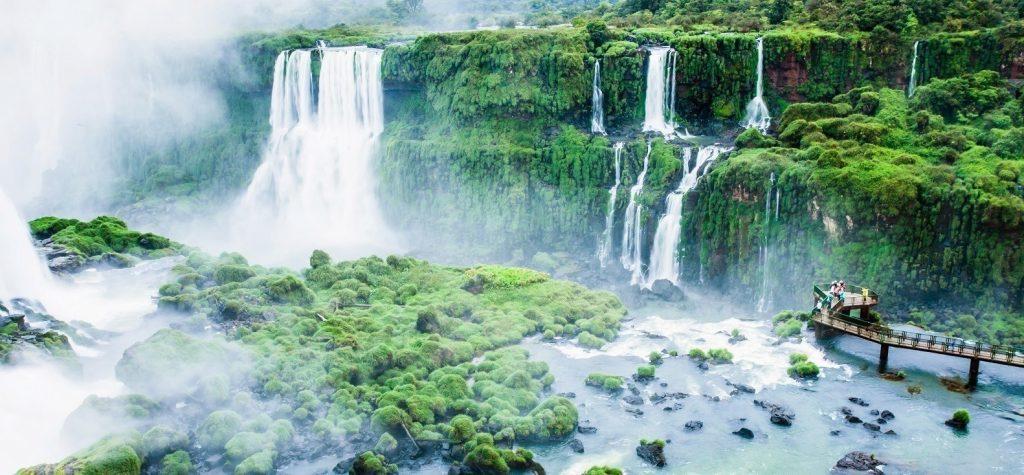 De Iguazu Watervallen van Argentinië en Brazilië