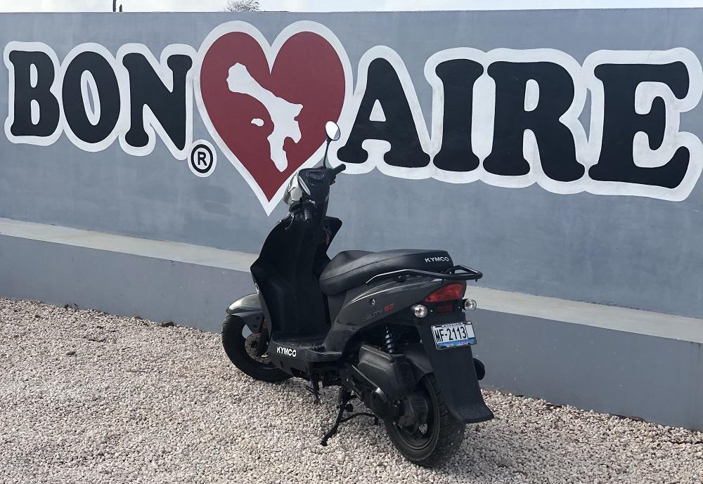 Bonaire verkennen met een scooter