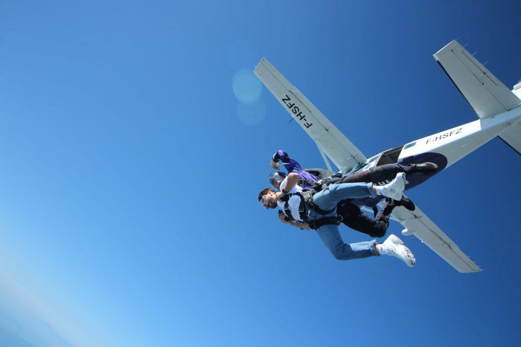 Waar in Nederland kun je parachutespringen?