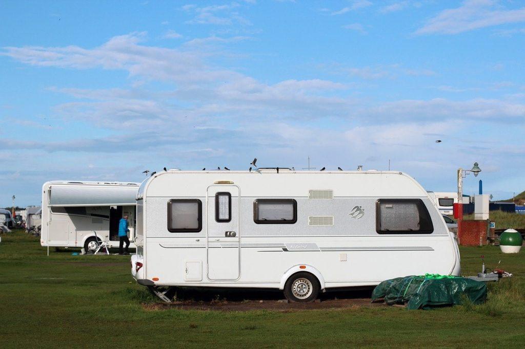 Wat zijn de voordelen van een caravan en hoe kun je deze financieren?