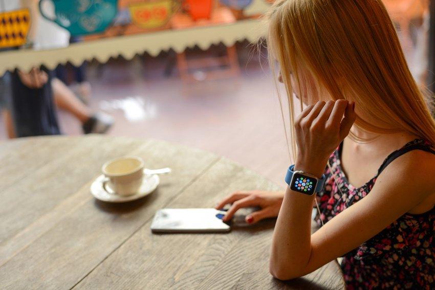 Ga je op reis? Deze 6 apps voor je Apple Watch moét je hebben